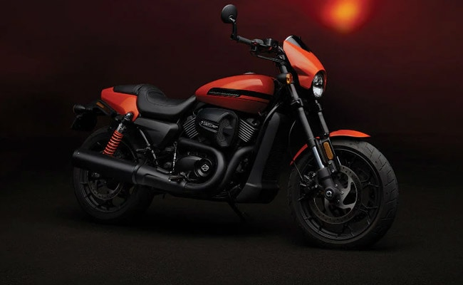 The two-tone variant of the Harley-Davidson Street Rod gets a price reduction of Rs. 77,000