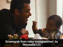 सलमान खान को अपने हाथ से खाना खिला रहे थे भांजे आहिल, तभी हटा लिया अपना हाथ और खुद ही... देखें Video