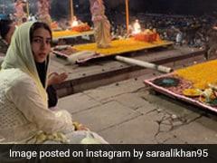 सारा अली खान गंगा आरती में हुईं शामिल, सोशल मीडिया पर वायरल हो रही हैं Photos