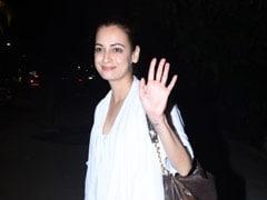 गर्मियों के लिए दिया मिर्जा की यह व्हाइट ड्रेस है परफेक्ट, देखें Photos