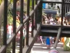 'जनता कर्फ्यू' की मेहनत पर इन लोगों ने फेरा पानी, बॉलीवुड एक्टर का यूं आया गुस्से भरा रिएक्शन...देखें Video