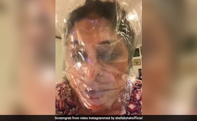 'How Lungs Are Gonna Feel': Shefali Shah Shrink Wraps Head For Coronavirus Truthbomb