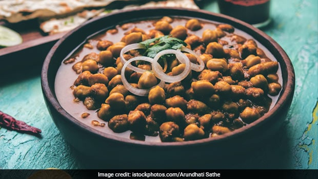 Indian Cooking Tips: How To Make Restaurant-Style Amritsari Chole At Home (Watch Recipe Video)