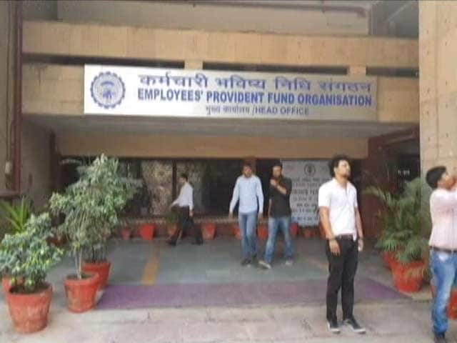 Video : Employee Provident Fund Rate Cut To 8.5% After 7 Years, To Impact 6 Crore