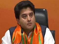 BJP ज्वाइन करने के बाद ज्योतिरादित्य सिंधिया की तस्वीरों पर भोपाल में पोती गई कालिख