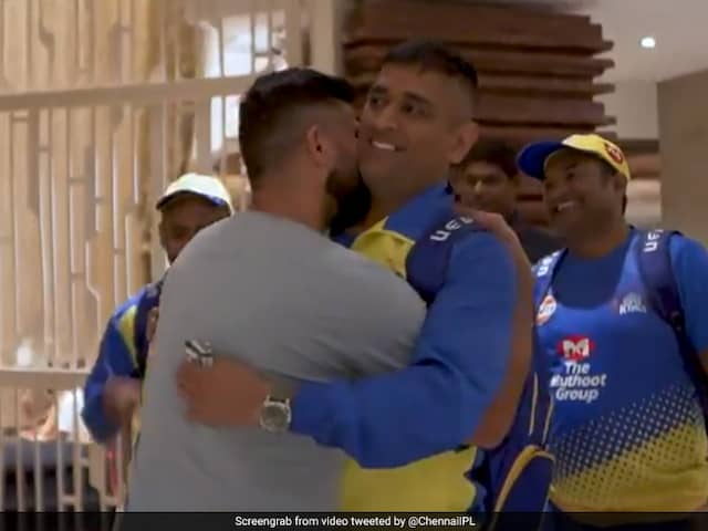 Watch: Suresh Raina Greets MS Dhoni With A Peck On His Neck, CSK Fans Go Berserk