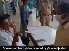 रेलवे स्टेशन पर कोरोनावायरस की जांच में लापरवाही बरत रहा अधिकारी, बॉलीवुड एक्टर ने शेयर किया Video
