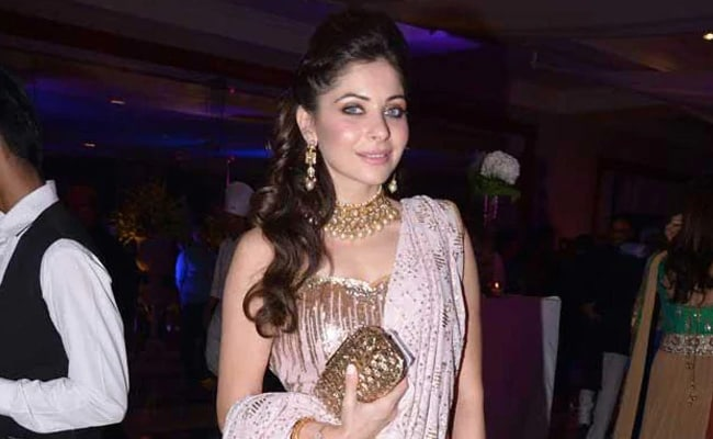 Kanika Kapoor Who Tested Positive For Coronavirus Was ...