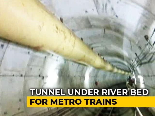 Video : Mumbai Metro Goes Under Mithi River