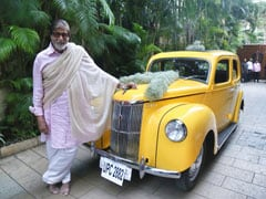 "Amitabh Bachchan Left ""Speechless."" Because, This Vintage Car"