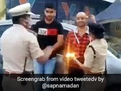 लॉकडाउन में घूमने निकले शख्स तो पहले पुलिस ने की आरती फिर किया कुछ ऐसा... देखें Viral Video