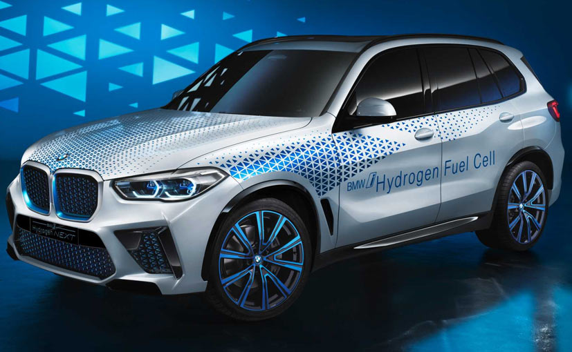 The BMW X5 Fuel Cell will enter production in 2022.