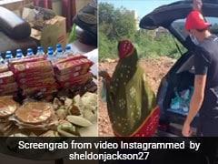 Coronavirus: गरीबों के लिए 'मसीहा' बना यह भारतीय क्रिकेटर, खुद जाकर बांट रहा है खाने का सामान VIDEO