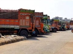 Coronavirus Lockdown Leaves Truck Drivers Stranded; Goods Rotting, Not Enough Food