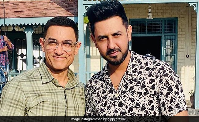 Unseen Pics Of Aamir Khan And Gippy Grewal From The Sets Of Lal Singh Chaddha