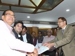 BJP नेताओं के दलबल के साथ ज्योतिरादित्य सिंधिया ने राज्यसभा के लिए किया नामांकन