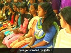 कैंसर पीड़ितों के लिए इस कॉलेज की 80 लड़कियों ने दान किए अपने बाल तो ट्विटर पर लोगों ने कहा...