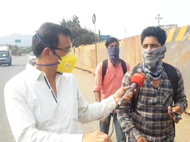 Video : A Carpenter's 2,000-km Walk Home From Bengaluru, Across 4 States