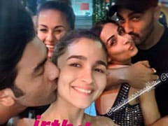 Ranbir Kapoor Gives Alia Bhatt A Peck On The Cheek. See Pic Inside