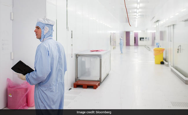 Shielded From Coronavirus Pandemic, Work Continues In World's Cleanest Room