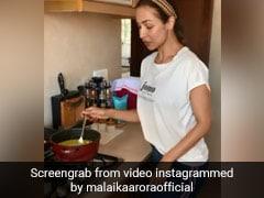 घर में बंद मलाइका अरोड़ा ने बनाया खाना, Video पोस्ट कर कही ये बात...