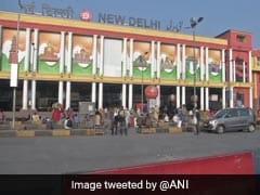 दिल्ली में लग सकता है वीकेंड कर्फ्यू, LG के साथ केजरीवाल की बैठक में हो सकता है फैसला : सूत्र
