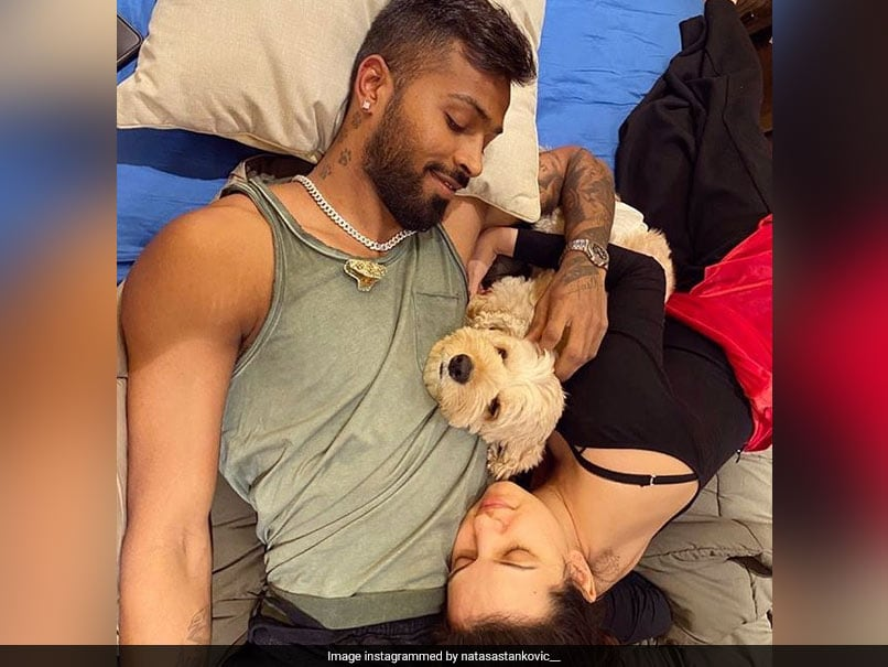 "Natasa Stankovic Posts Loved-Up Picture With Hardik Pandya, Urges Fans To ""Stay Home, Stay Safe"""