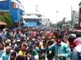 Video : 5 Days Into Lockdown, Hundreds Of Migrant Labourers Hit Streets In Kerala