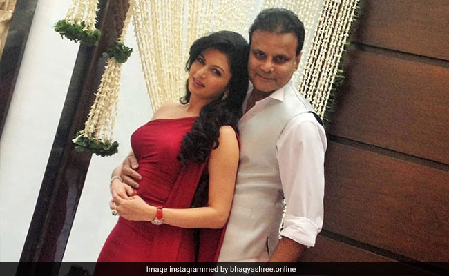 Trending: Bhagyashree Reveals She And Husband Himalaya Once Separated For Over A Year thumbnail