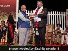 AMU Professor Recieves <i>Sahitya Akademi</i> Award