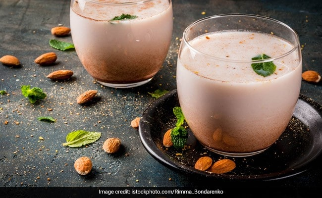 Protein-Rich Soya <i>Thandai</i> Is The 'Coolest' Thing You Can Add To Your Healthy Diet
