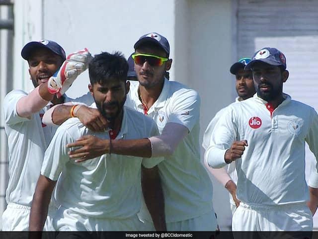 Ranji Trophy Semi-Finals: Bengal Dominate Karnataka, Chintan Gaja Leads Gujarat Fightback