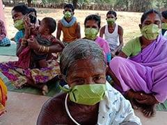 कोरोनावायरस के लॉकडाउन में सुरक्षित रहने के लिए आदिवासियों ने पत्तों से बनाए मास्क