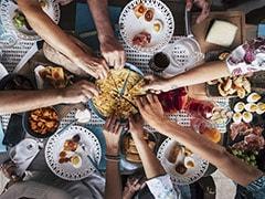 Outdoor Dining To Space Bubbles: कोविड के बाद न्यूयॉर्क शहर में रेस्टोरेंट्स ने ग्राहकों लुभाने के लिए निकाली अनोखी तरकीब