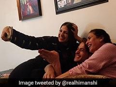 आसिम रियाज को मम्मी से मिलवाने ले गईं हिमांशी खुराना, इंटरनेट पर Photo हुई वायरल