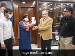 Coronavirus: AMU Faculty Members Prepare Sanitizer And Disinfectant