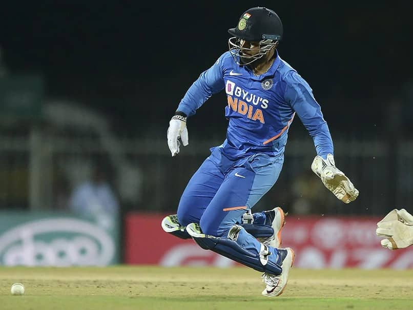 """""""Have Asked Rishabh Pant To Try A Few Things While Keeping"""": Wriddhiman Saha"""