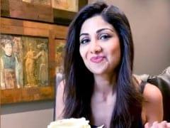 Shilpa Shetty's Vanilla Meringue Cake Sunday Binge Will Get You Baking