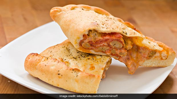 Watch: This 5-Minute Restaurant-Style Pizza Pocket Can Be Your Go-To Snack (Recipe Video)