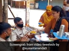 जनता कर्फ्यू के बीच महिलाएं पुलिसवालों के लिए नाश्ता लेकर उतरीं सड़कों पर तो हुआ ऐसा... देखें Viral Video