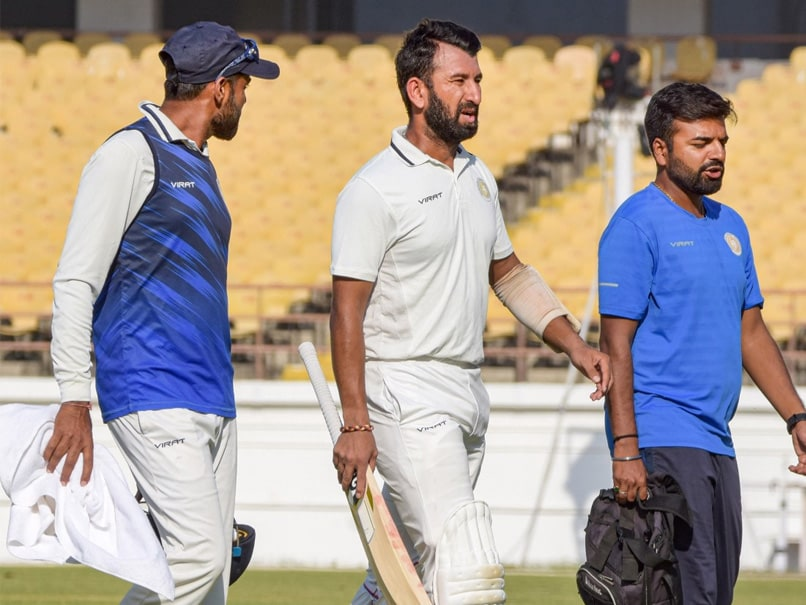"""Ranji Trophy Final: Cheteshwar Pujara Retires Hurt With Throat Infection But """"Should Be Fine"""" To Bat On Day 2"""