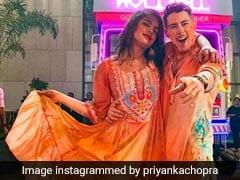 Holi 2020: निक जोनास ने प्रियंका चोपड़ा संग मनाई होली, अंबानी की पार्टी में दिखा जबरदस्त अंदाज... देखें Video