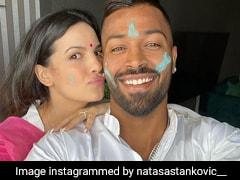 नताशा स्टेनकोविक ने हार्दिक पंड्या के साथ मनाई Holi, फैन्स बोले- सिर्फ नाम के लिए ही होली...