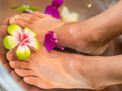 Goodbye Dry Feet! Try These 4 Natural Home Remedies For Beautiful Skin