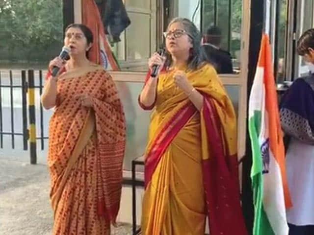 Video: Watch: Italy-Style Singing At Gurgaon Balconies To Beat Coronavirus Blues