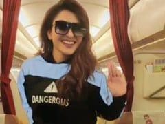 उर्वशी रौतेला का प्लेन में धमाल, आराम से बैठे थे यात्री करने लगीं डांस- देखें Viral Video