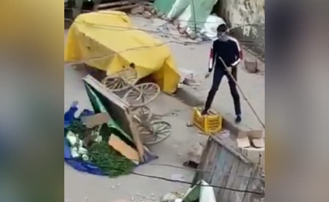 Delhi Cop Tips Over Vegetable Carts Amid Lockdown In Video, Suspended