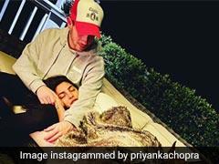 निक जोनास की गोद में सिर रखकर सोती नजर आईं प्रियंका चोपड़ा, फोटो हुई वायरल