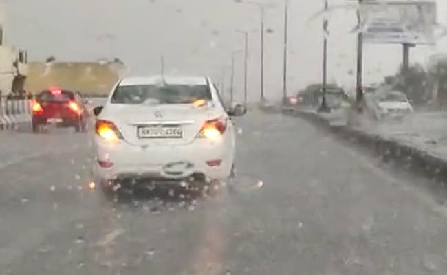Heavy Rain, Hailstorm In Parts Of Delhi, Traffic Jams Reported
