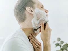 7 Amazing Tips To Shave Your Beard During Lockdown